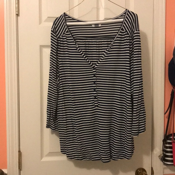 Old Navy Tops - Old navy 3/4 sleeve navy/ white shirt